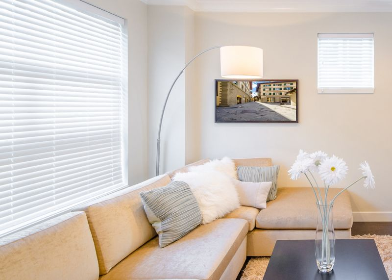 wood blinds living room 5