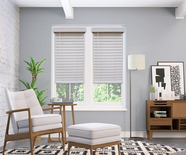 room with aluminum blinds installed